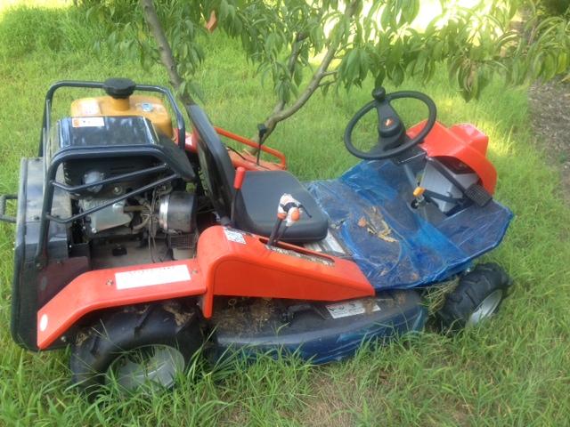 マリオカートのような乗用草刈り機